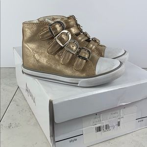 Amiana Toddlers High Top Fashion Sneaker Gold Sz 9